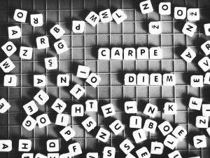 CarpeDiem_Buchstabensuppe_schwarzweiss