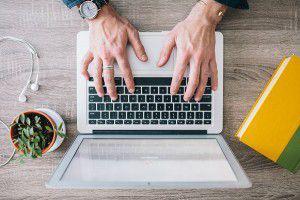 Bei Sachtexten ist der informative Inhalt wichtiger als der persönliche Schreibstil