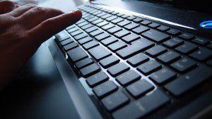 Tastatur mit Hand