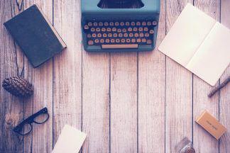 typewriter-801921_1920-freshblue