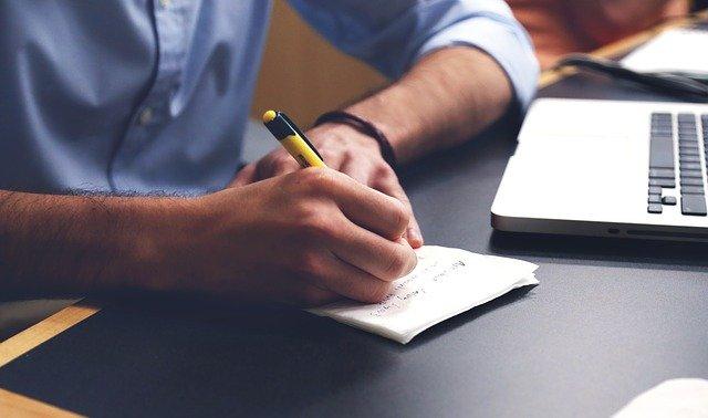 Dank regelmäßigem Schreiben können Sie Ihren Schreibstil verbessern